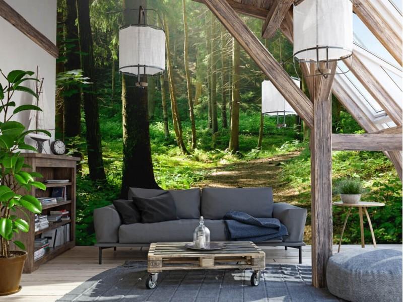 Ein entspannendes Wohnzimmer dank Fototapete eines Waldes