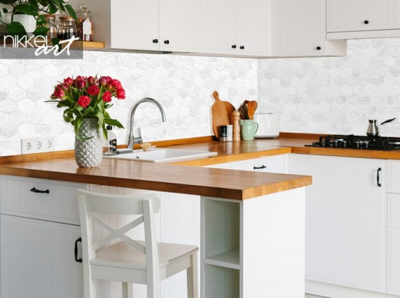 Küchenrückwand aus Glas mit Wabenmuster