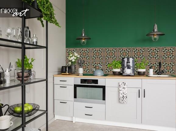 Küche mit Glasrückwand Traditionelles Muster