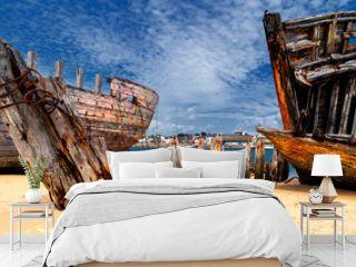Stare wraki łodzi, Bretania, Francja