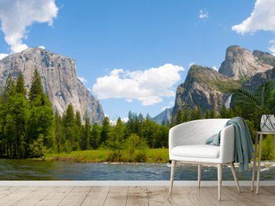 A panaromic view of Yosemite Valley