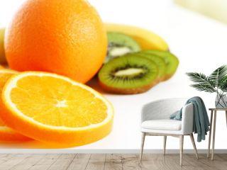 Fruchtmix - Orange, Banane, Kiwi- und Orangen-Scheiben