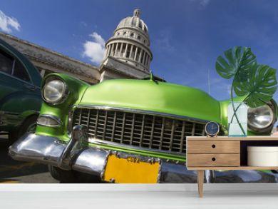 Oldtimer vor dem Capitol auf Kuba