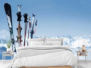 Skier stecken im Schnee
