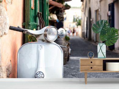Gros plan d'un scooter emblématique Italien,  Ischia, golfe de Naples, région de Campanie, Italie
