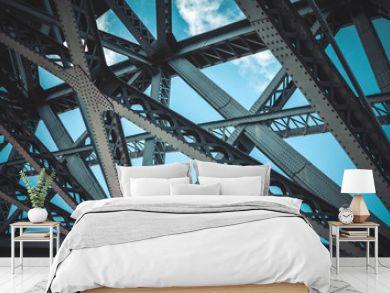 Bridge frame closeup