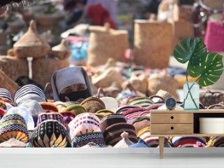 Venditrice di cappelli a Marrakesh
