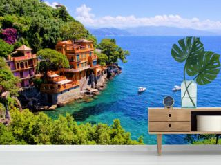 Luxury homes along the Italian coast at Portofino