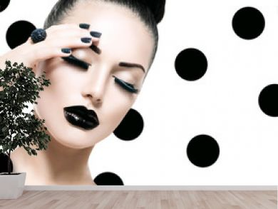 Vogue Style Model Girl. Trendy Caviar Black Manicure