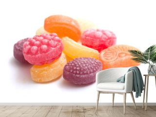 bonbons traditionels sur fond blanc