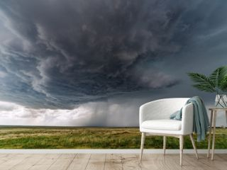 Dark storm clouds from supercell thunderstorm