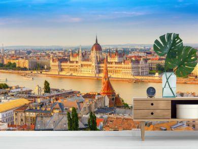 Budapest city skyline at Hungalian Parliament and Danube River, Budapest, Hungary