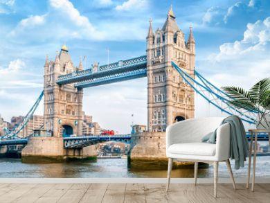 London Tower Bridge am Tag