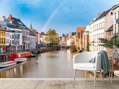Altstadt in Gent mit Regenbogen