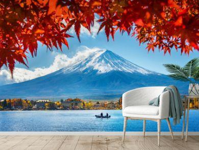 Autumn Season and Mountain Fuji at Kawaguchiko lake, Japan.