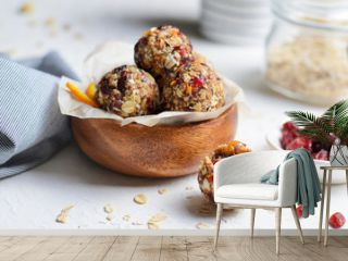Healthy Energy Balls, Raw Vegan Balls with Oatmeal, Cranberry, Dates and Nuts