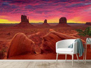 Sunrise over Monument Valley Tribal Park in Utah-Arizona border, USA