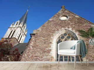 vitrail et clocher d'église