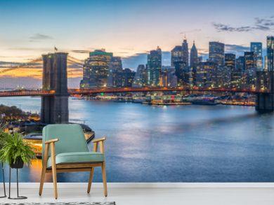 New York skyline panorama with Brooklyn Bridge