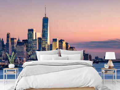 One World Trade Center and skyline of Manhattan in New York City, USA