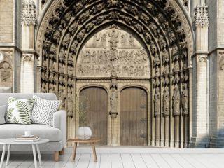 Hauptportal der Liebfrauenkathedrale in Antwerpen