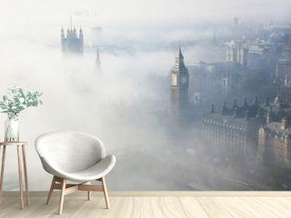 Heavy fog hits London