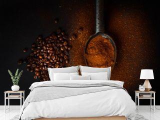 caffè macinato e chicchi di caffè