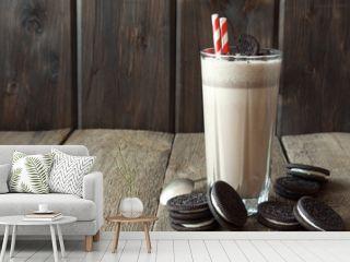 milkshake (chocolate smoothie) with cookies