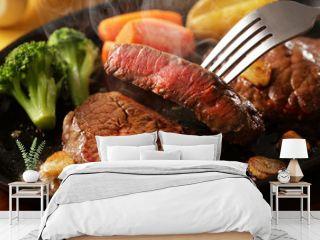 牛もも肉 レアステーキ Beefsteak