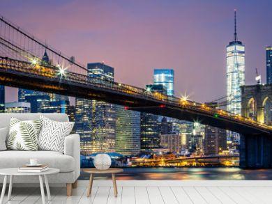 View of Brooklyn bridge by night