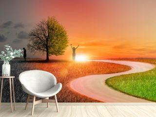 Silhouette einer Frau in einer Landschaft mit unterschiedlichen Emotionen als Komzept
