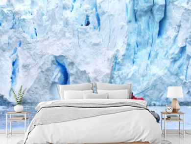Zodiac Exkursion to Antarctic Glacier Scenery