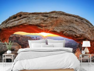 Famous sunrise at Mesa Arch