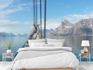 Sailing Greenland, the land of ice, polar bears... and sailing!
