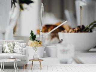 Vorspeise auf einem festlich gedeckten Tisch