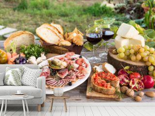 Tavola con vari cibi italiani, Italian Foods