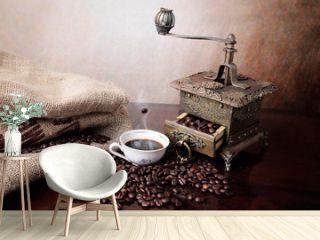 Caffè in chicchi con macinacaffè