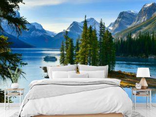 Panorama view Beautiful Spirit Island in Maligne Lake, Jasper National Park, Alberta, Canada