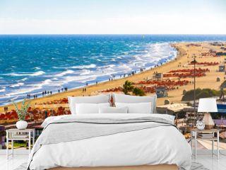 Picturesque Maspalomas Beach (Playa de Maspalomas) on Gran Canaria island, Canary Islands, Spain. Famous for its photogenic giant sand dunes