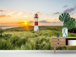 Sonnenaufgang Leuchtturm in List auf Sylt