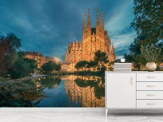 Barcelona, Catalonia, Spain: Basicila and Expiatory Church of the Holy Family, known as Sagrada Familia at sunset