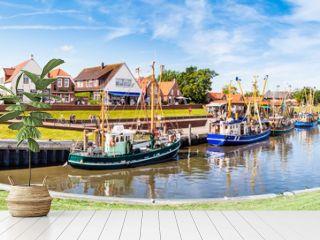 Panorama  Hafen mit Fischerbooten in Greetsiel, Nordsee, Deutschland